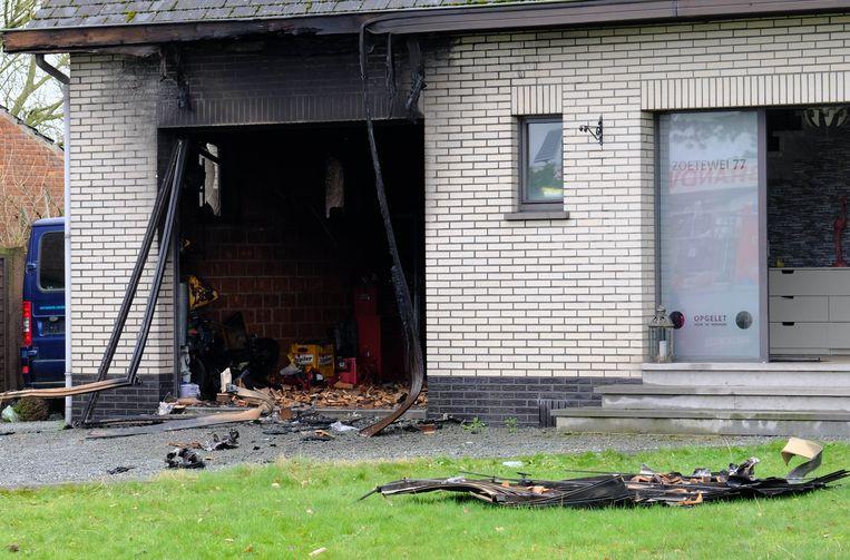 PUTTE - De garage brandde volledig uit.