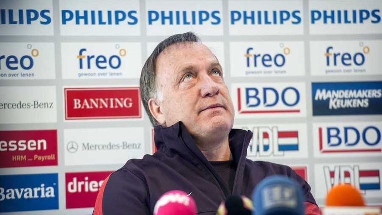 Coach Dick Advocaat tijdens de persconferentie na afloop van de training van PSV voor de aanstaande eredivisie wedstrijd tegen Ajax. Beeld anp