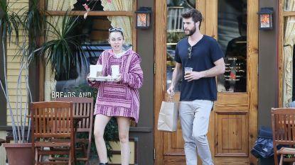 """Miley Cyrus ontkent zwangerschapsgeruchten: """"Ik heb gewoon keiveel gegeten"""""""