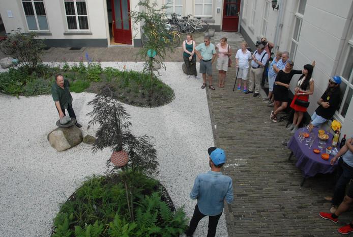Kunsthistoricus Ad de Visser hield een inleidend praatje.
