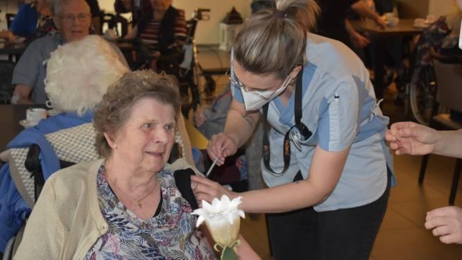 Eerste inwoners van Hamont-Achel gevaccineerd