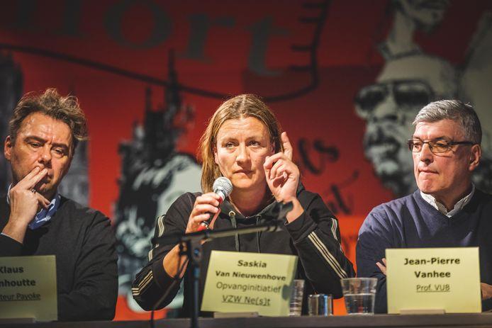 Klaus Vanhoutte, Saskia Van Nieuwenhove en Jean-Pierre Vanhee gingen met elkaar in debat over het probleem van tienerprostitutie.