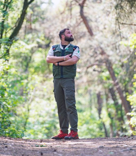 Boswachter Tim vindt het fijn om helemaal kapot te gaan bij het indoorroeien: 'Sporten is mijn uitlaatklep'