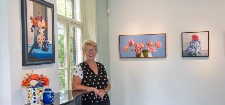 Kleurrijke expositie van José van Lamoen in Kasteel Geldrop