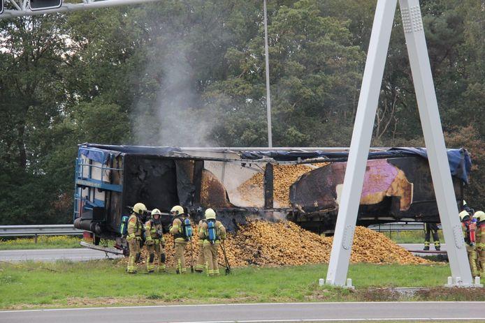 Vrachtwagen vat vlam op de A1