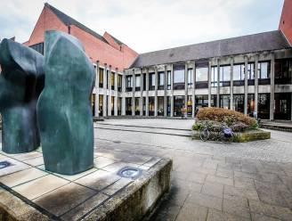 Zaakvoerder van bouwbedrijf riskeert 18 maanden cel voor illegale tewerkstelling op werven in Kortrijk