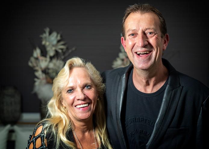 Martin en Yvonne Weber. Martin was uitbehandeld in Nederland. Gelukkig gaat het hem goed.