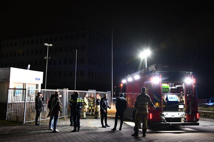 Een deel van Lelystad zat dinsdagavond urenlang zonder stroom na een incident aan de Botter.
