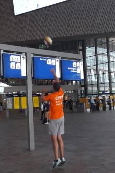 Volleyballen in hal Rotterdam Centraal als voorproefje op EK