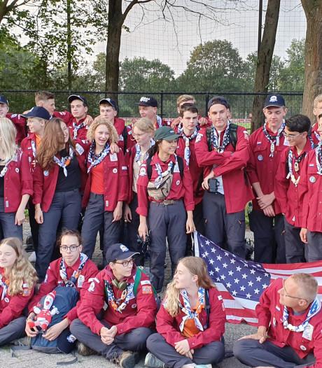 Scoutinggroep Troep Worstenbrood uit Made op weg naar de Wereld Scouts Jamboree in de VS