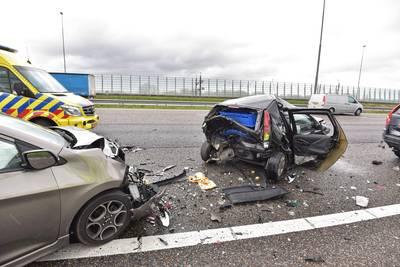 Ongeluk op A16 bij Breda, twee rijstroken dicht