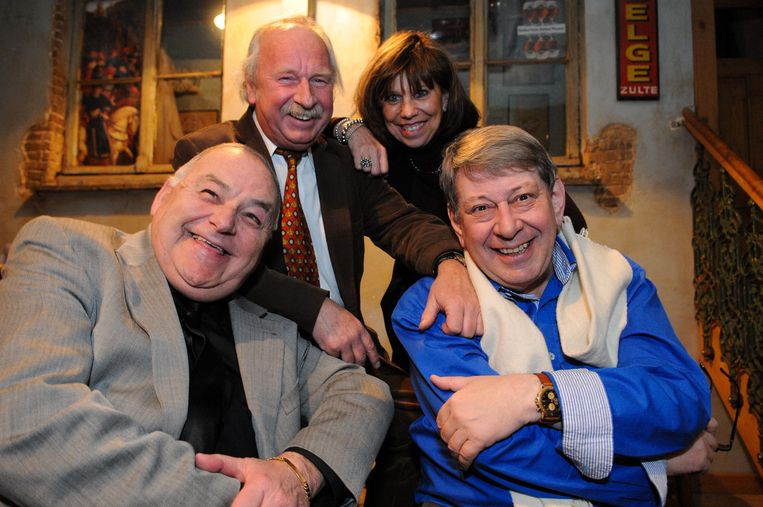 De komieken Pat Remue, Dirk Lajoie, An Fleur en Fred Geirnaert.