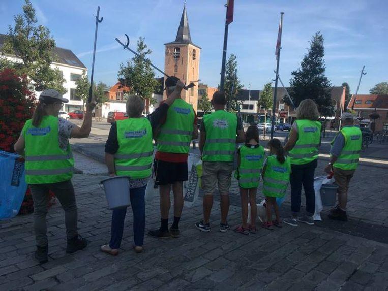 De 'Mooimakers ambassadeurs' houden de straten in Keerbergen proper.
