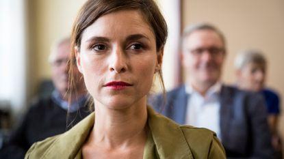 Wie stak Amélie neer in 'Familie'? Vanavond wordt de langste cliffhanger ooit eindelijk opgeklaard