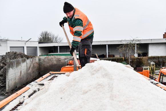 Dendermonde heeft 350 ton strooizout beschikbaar om gladde wegen en sneeuw te bestrijden.