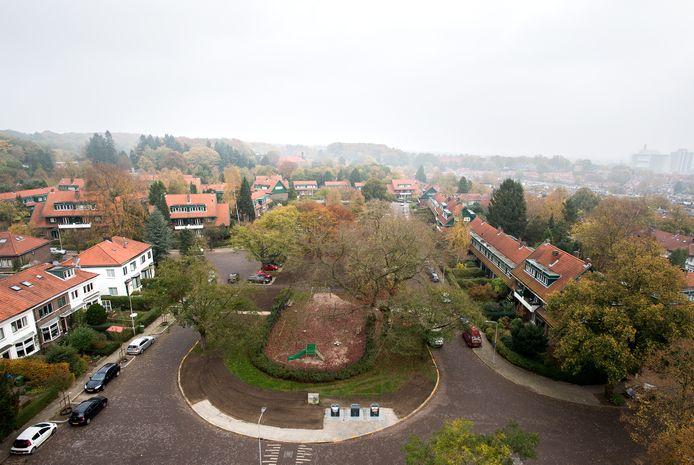Het Goeman Borgesiusplein, met huizen van de Woningbouwvereniging voor Ambtenaren te Arnhem.