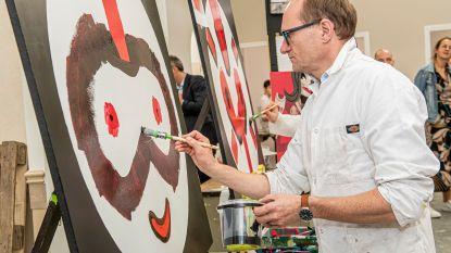 Onderwijsminister Ben Weyts schildert Rode Neus Fred Raket en maakt pralines tijdens bezoek aan MSKA