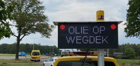 Fietser gewond na val door oliespoor op asfalt parallelweg tussen Rijssen en Wierden