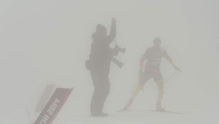 Een atleet traint maandag op het Laura Cross-Country Ski en Biathlon Center Beeld afp