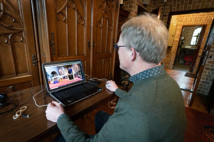 De online kerkdienst in Elst.