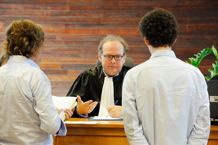 Politierechter Johan Van Laethem tijdens één van zijn zittingen in de politierechtbank van Halle.