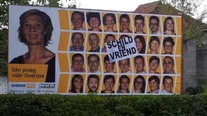 Affiches overplakt met 'Schild en Vriend'