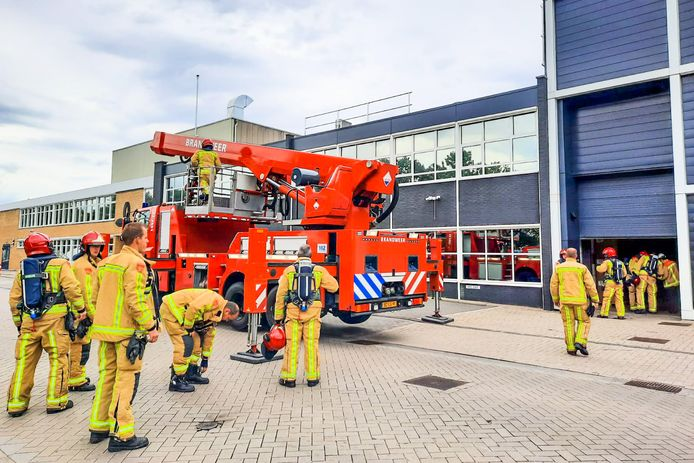 Brand bij pand aan Kanaaldijk-Noord in Eindhoven.