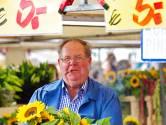 Jan de Groot was een kleurrijk figuur tussen zijn bloemen op de markt