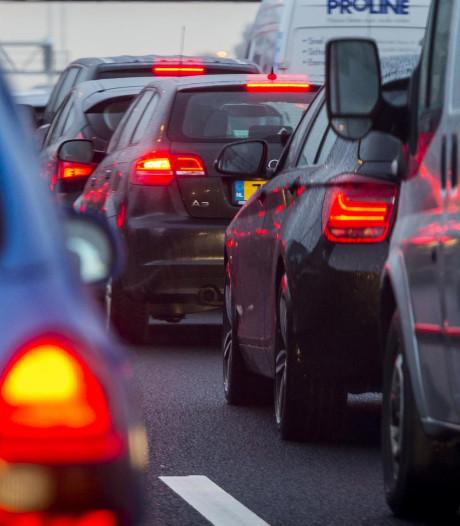 A1 bij Bunschoten weer vrij na ongeluk met meerdere voertuigen