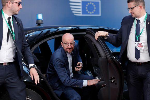 Gisteren, bij aankomst op dag 3 van de onderhandelingen over de topfuncties. Hij weet nog niet dat hij die zal verlaten als toekomstig Europees president.