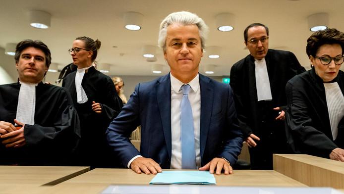 Geert Wilders in de rechtbank op Schiphol