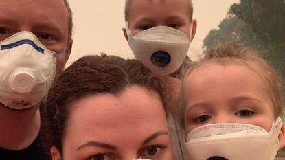 """Canadees gezin moet 6 dagen in kleine cinemazaal in Mallacoota schuilen voor bosbranden: """"Het voelde als een valkuil"""""""