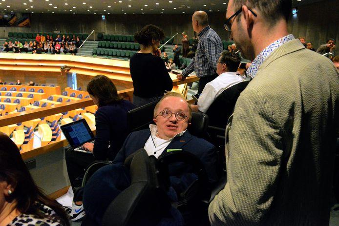 Rick Brink in de Tweede Kamer tijdens het debat over het VN -verdrag Handicap. FOTO JOS VAN LEEUWEN / DE STENTOR