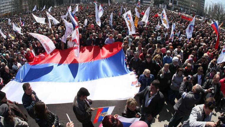 Pro-Russische demonstranten in Donetsk. Beeld afp