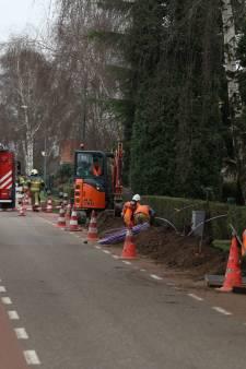 Wéér gaslek: glasvezelgravers schieten met 'raket' door leiding in Geffen