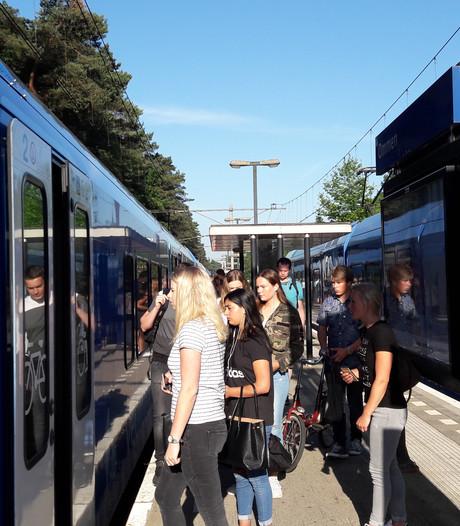Reizigers Vechtdallijn reageren onverstoorbaar op staking NS