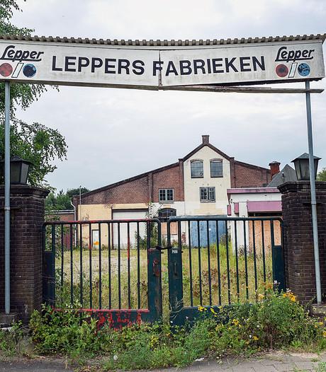 Kopers melden zich voor vervallen zadelfabriek in Dieren