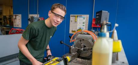 Superleerling Justin (17) van OBC Huissen draait nu al mee op Nijmeegse mbo-opleiding