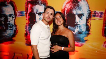 IN BEELD. Matteo Simoni's vriendin Loredana showt buikje tijdens première tweede seizoen 'Callboys'