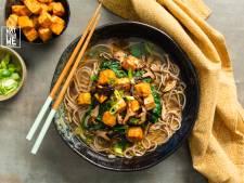 Wat Eten We Vandaag: Noedelsoep met spicy tofu en paddenstoelen