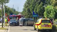 Vrouw gewond na knal tegen geparkeerde wagen