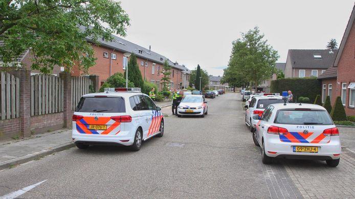 In Deurne worden in totaal drie mannen aangehouden voor het beroven van twee bejaarden in Milheeze en Deurne.