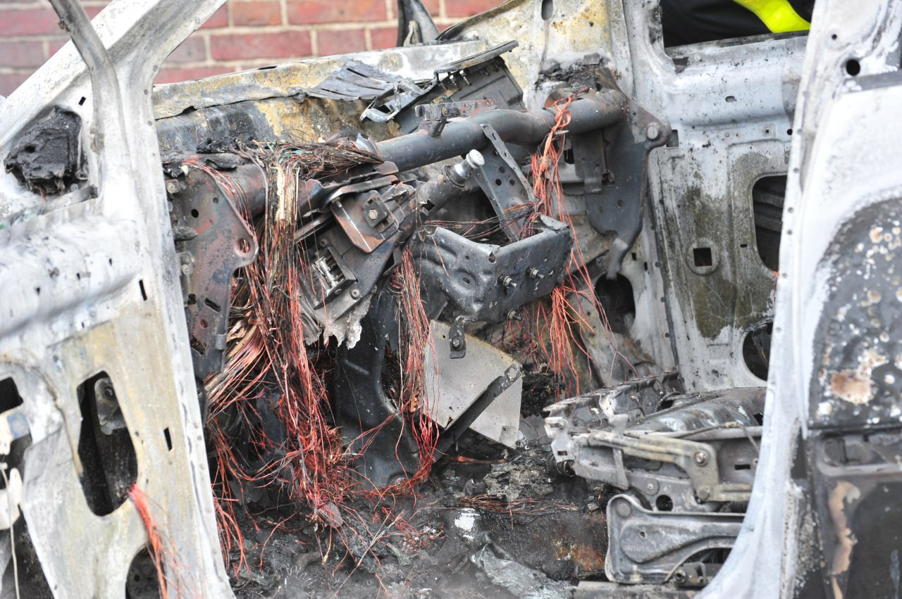 Auto van Somerense jongeren volledig uitgebrand
