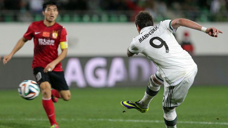 Mandzukic schiet Bayern op 2-0. Beeld epa