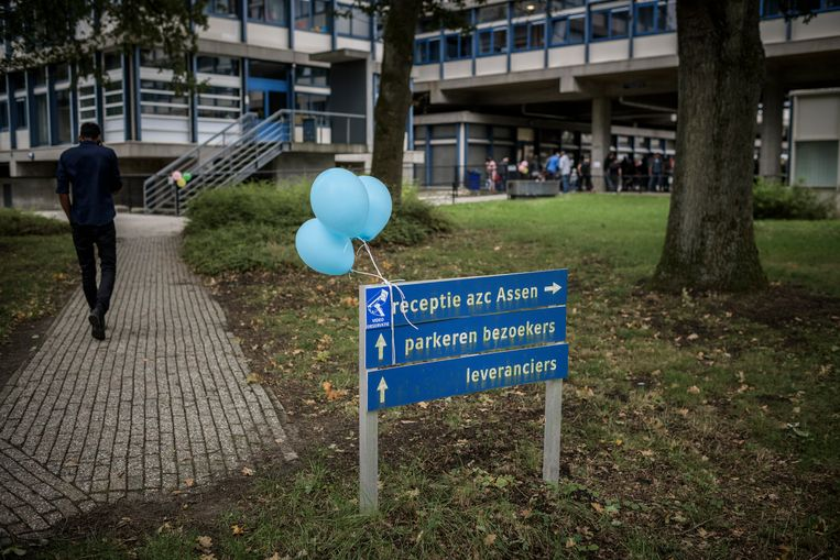 Het asielzoekerscentrum in Assen.  Beeld Kees van de Veen