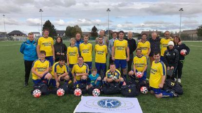 Kiwanis schenkt sporttassen en voetballen aan G-ploeg KSV Sottegem