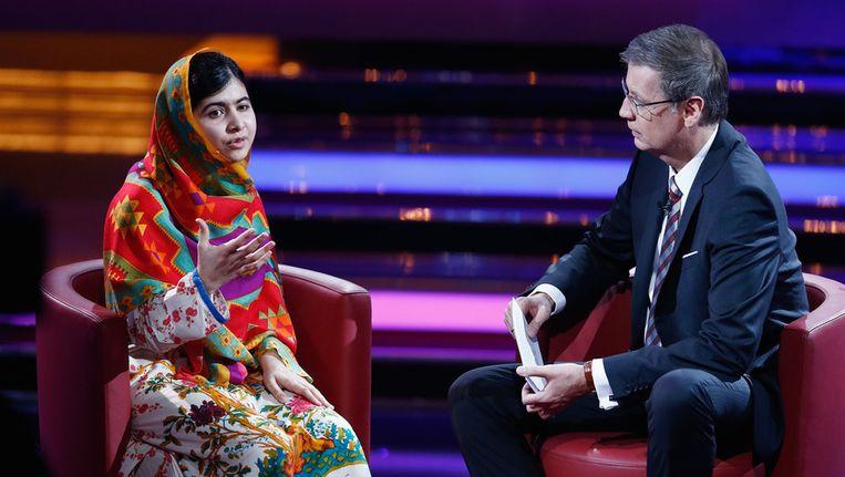 Malala Yousafzai in een Duitse tv-talkshow. Beeld getty