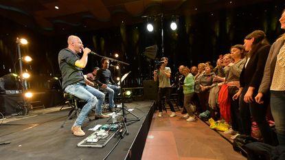 124 gelukkigen zijn getuige van unieke showcase Stan Van Samang