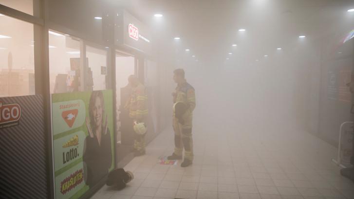 Pinautomaat zet winkelcentrum in de mist