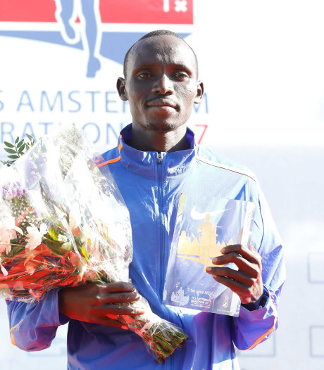 Cherono wint marathon Amsterdam in razendsnelle tijd, Butter snelste Nederlander